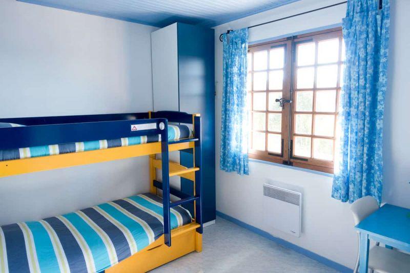 blue bedroom lake chalain location house